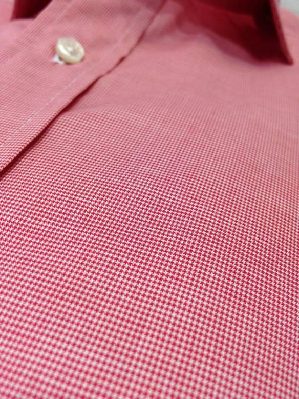 Red micro-dogtooth (100% cotton) - close up