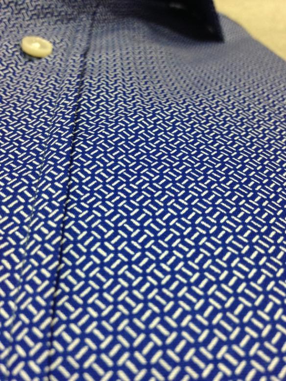 Blue printed cotton (100% cotton) - close up